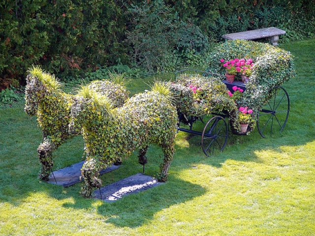 Красивые поделки в саду и огороде своими руками